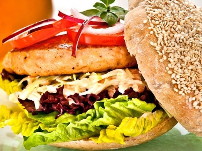 Svanøy Røykeri Lokalmat-oppskrift lakseburger
