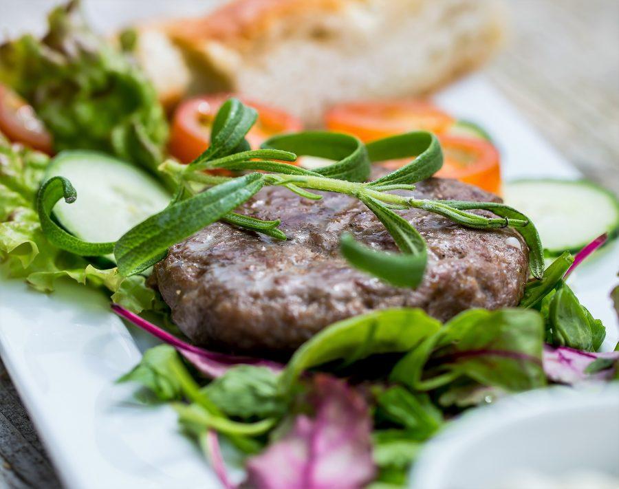 Fjord Urteburger med salat og focaccia