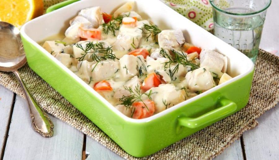 Sei med rotgrønnsaker og dillsaus