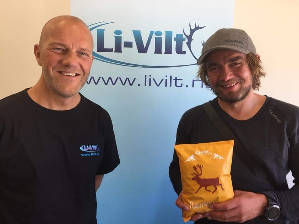Fra høgre: Tor Arne Moen (daglig leder i Li-Vilt) og Jens Kvernmo (eventyrer og friluftsmann)