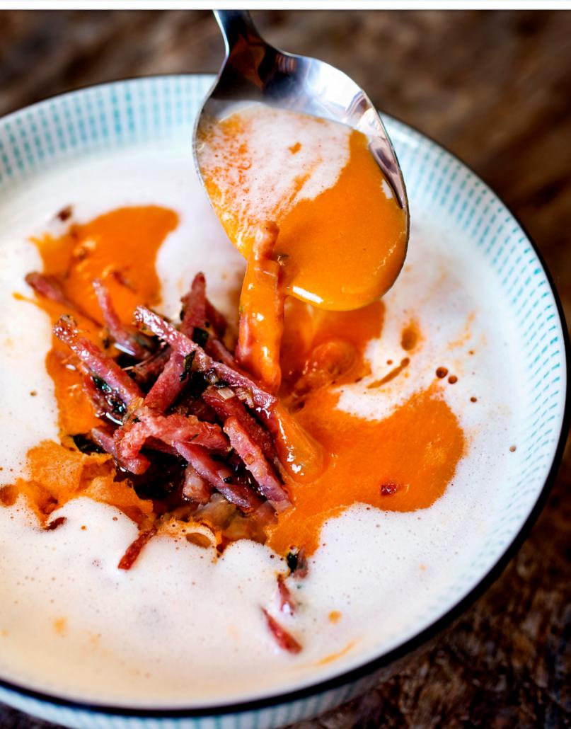 tomatsuppe-pisket-krem-persille-smaksglede